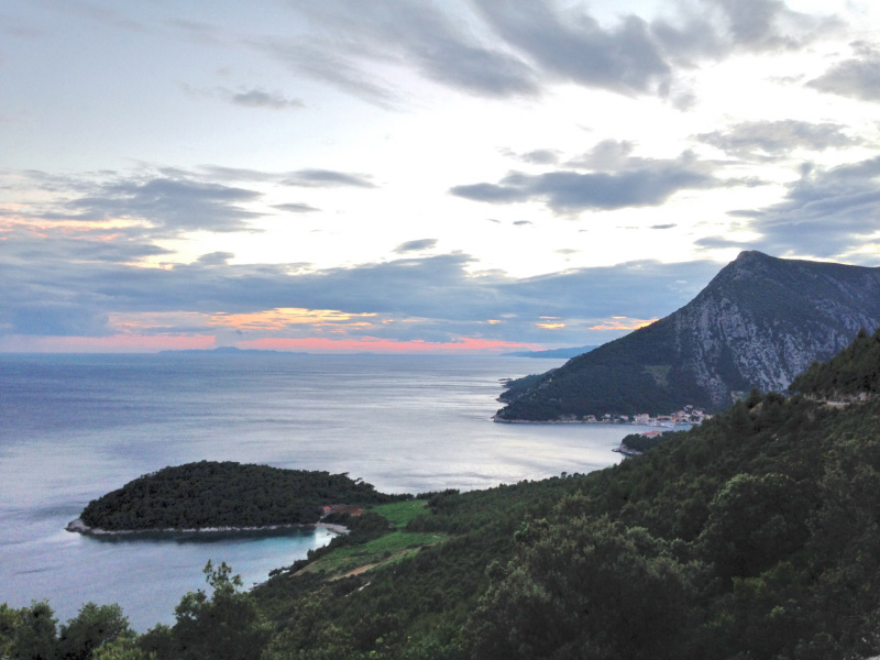 Beautiful Croatian coast is easily affected by coastal wildfires. As a traveller, take responsibility and follow these 5 easy steps to help prevent fires.