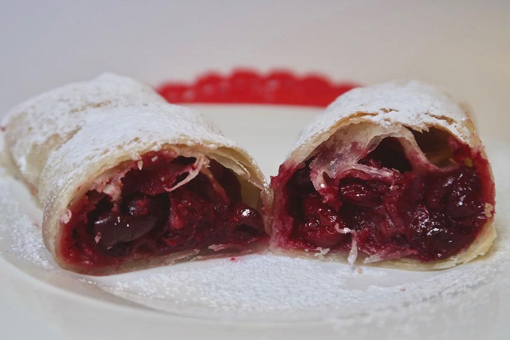 Croatian Desserts Štrudla od Višnje