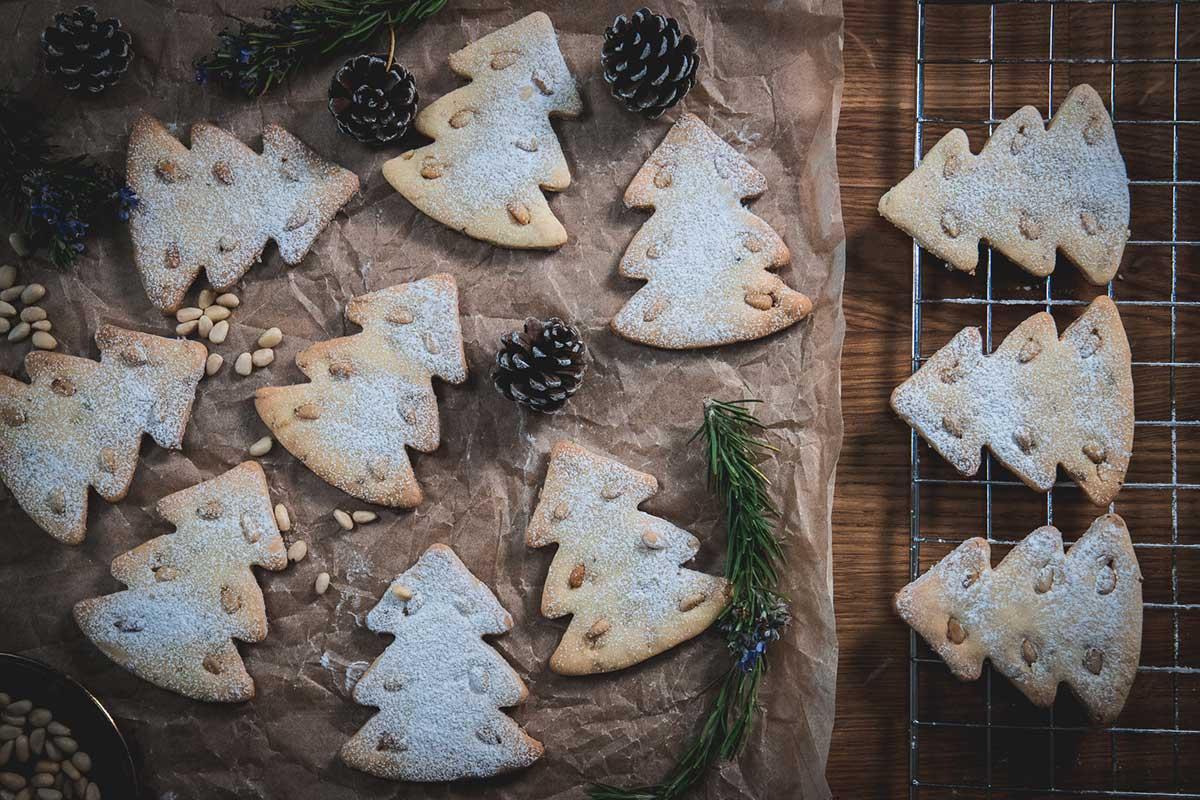 Croatian pignoli cookies