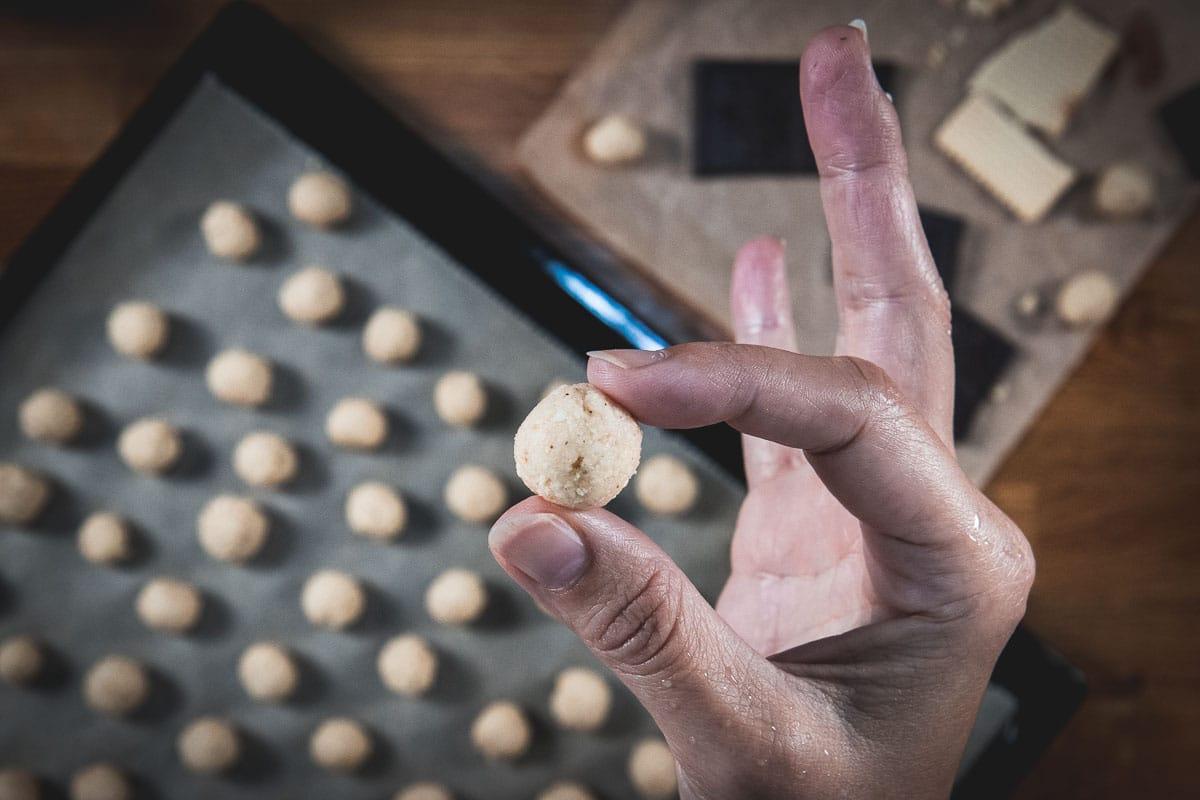 Croatian fave dei morti soft almond cookies